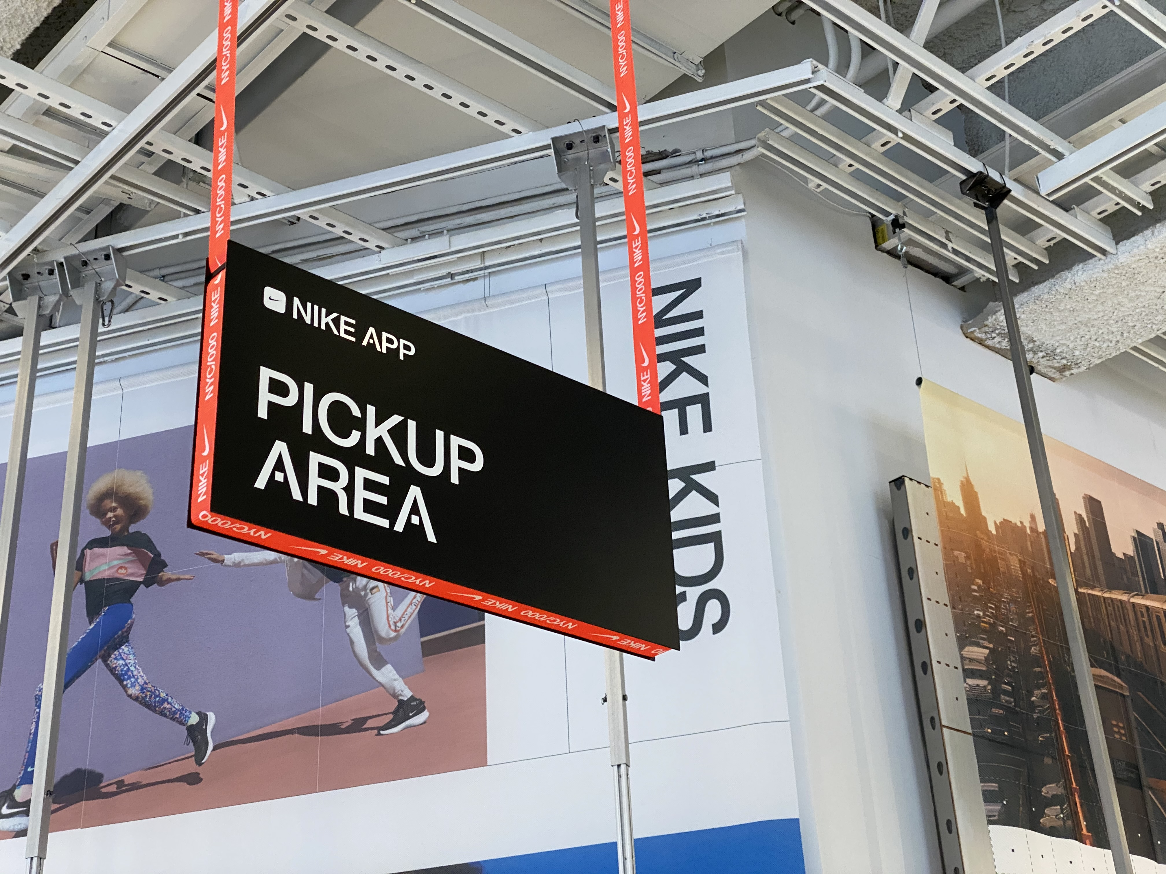 4 Reasons Why Retail Brands Offer Buy Online Pick-Up In Store Options